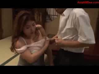 Tučné prsnaté milfka giving fajčenie getting ju kozy fucked pička licked podľa manžel na the dlážka v the izba