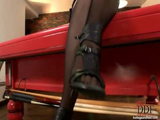 Sleaze brunet anna polina demonstrating how she is able to suck