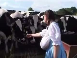 Gjerman qumësht shërbyese: falas qesharake porno video