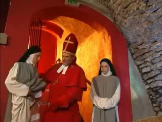 Priest teaches nuns hogyan hogy fasz -val játék videó