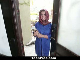 Teenpies - muslim 女の子 praises ah-laong ディック