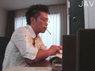 اليابانية, كبير الثدي, بالإصبع