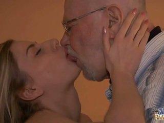 Mlada marylin evaluated s ji old šef