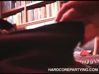 Sex orgie im bibliothek mit jung mädchen lutschen schwanz und gefickt schwer