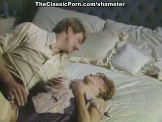 Veľký vták inda chlpaté pička v porno retro film