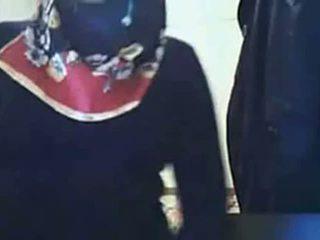فيديو - hijab فتاة عرض الحمار في كاميرا ويب