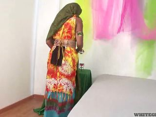 Mooi indisch vrouw zuigen muscle penis