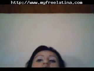 Super mooi chica giving een tonen chica spunk shots chica slikken braziliaans mexicaans spaans