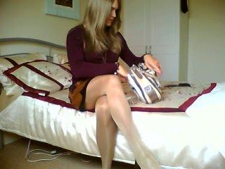 Blond crossdresser on suitsetamine alone