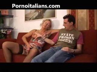 Italiana zorra fucks mamá con hijo - mamma italiana troia scopa con figlio italia