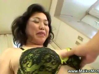 Rubbing mature maikos poilu chatte