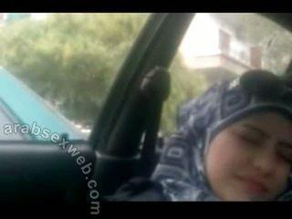 حلو arab في hijab masturbating-asw960
