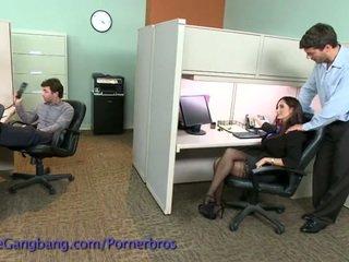 Coworkers sila a double penetration na ji
