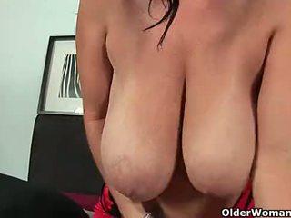 Soccer mom with big boobs fucks hersel...