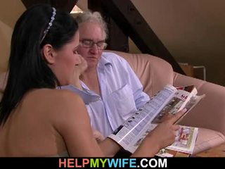 Hubby calls a guy へ ファック 彼の 妻